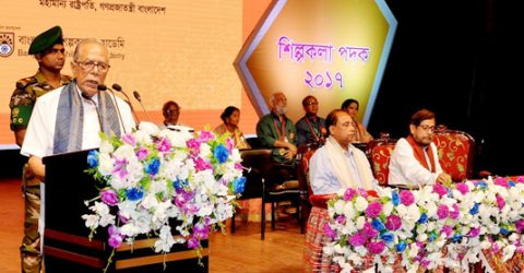 Promote non-communal spirit among new generation: President