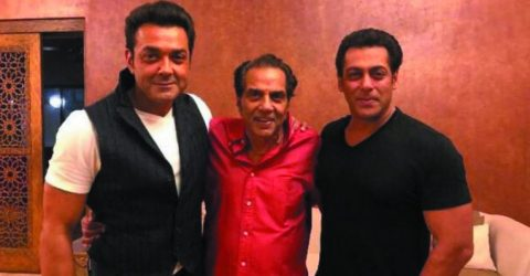Salman Khan poses with Dharmendra, Bobby Deol and adds Race 3 zinger