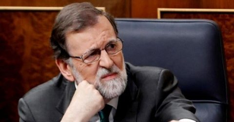 Spanish PM poised to fall in no-confidence vote