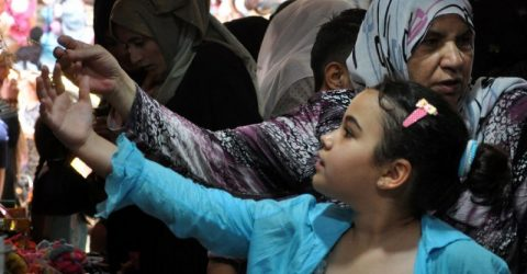 Midnight market abuzz in Syria's divided Hasakeh
