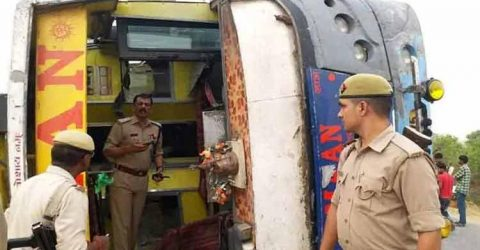 17 people killed when bus overturns in Uttar Pradesh