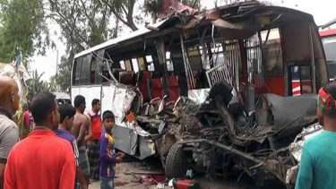 18 killed, 20 injured in Gaibandha road accident
