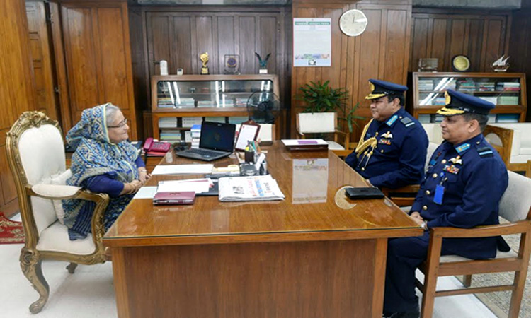 Outgoing and new Air Chiefs call on PM