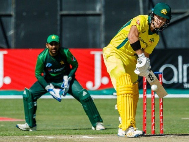 Short cracks 76 to help Australia to 183 against Pakistan