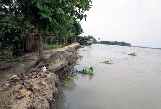 Water levels in 54 rivers rise, 39 fall
