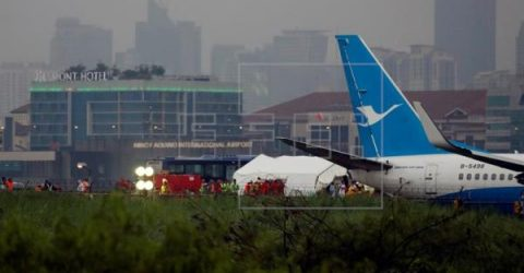 Manila airport resumes operation following removal of damaged plane