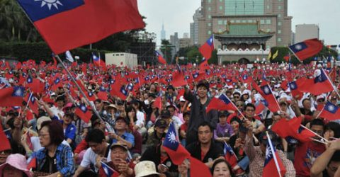 Thousands rally for Taiwan independence vote