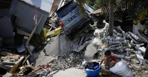 5,000 believed missing in two hard-hit Indonesian quake zones: official