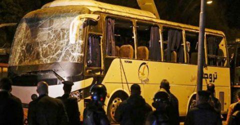 Bomb kills three Vietnamese tourists, guide near Egypt pyramids