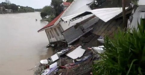 Death toll from landslides, flooding in Philippines rises to 61
