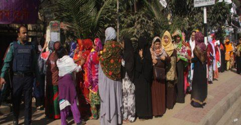 People cast vote amid festivity barring sporadic violence