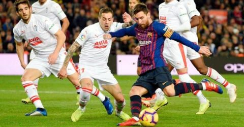 'Monstrous' Messi scores 400th La Liga goal, sends Barca five points clear