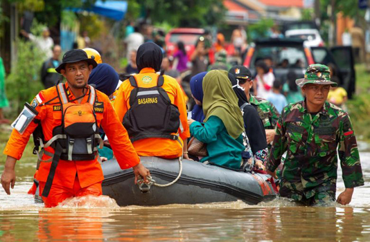 Indonesia floods, landslides death toll climbs to 59