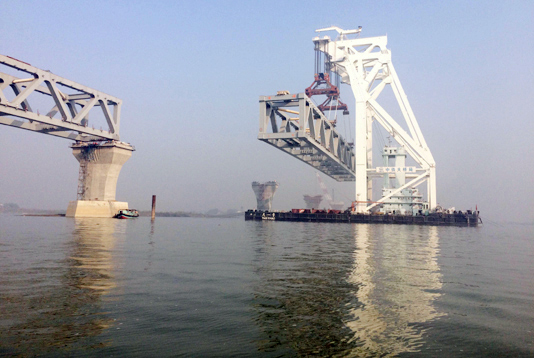 7th span installed, over 1 km of Padma Bridge visible