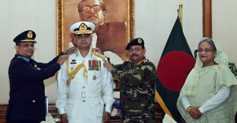 New navy chief adorned with Vice Admiral rank