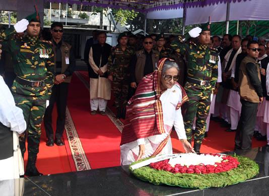 PM, other AL MPs pay tributes to Bangabandhu