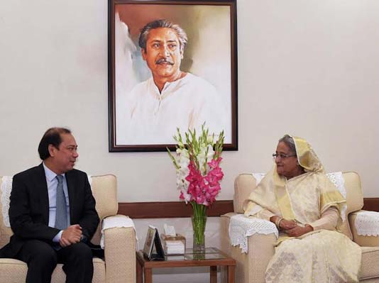 Keep up pressure on Myanmar to take back Rohingyas: PM
