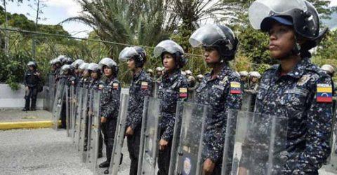 Venezuela's Guaido, protesters urge military to reject Maduro (WRAP-newseries)