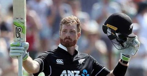 Guptill has blast as New Zealand post 371 against Sri Lanka