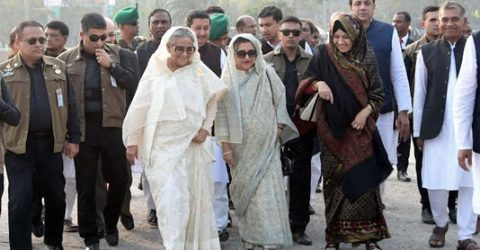 Sheikh Hasina prefers to walk discarding motorcade in Tungipara