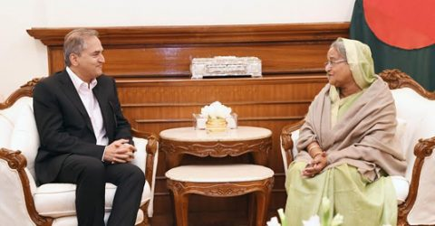 Dr Shetty hails Bangladeshi doctors as he meets PM