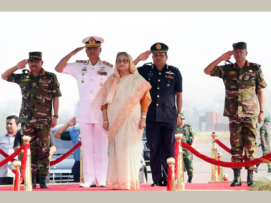 PM opens combined military hardware display 2019