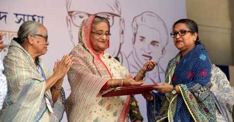 PM hands over RP Shaha Gold Medal to 4 personalities