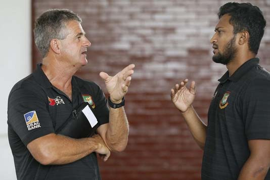 Rhodes insists Shakib to play IPL rather joining WC camp