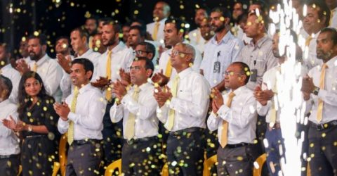 Maldives ex-leader makes comeback in landmark vote