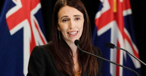 New Zealand PM helps out a fellow mum