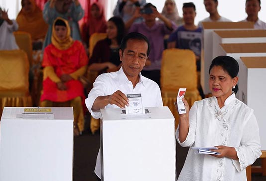 Polls close in Indonesia's giant one-day election