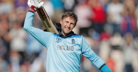 Root ton propels England to easy win
