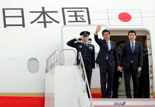 Japan's Abe in Tehran mission to ease Iran-US tensions