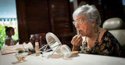 Cuban centenarians, cheered on by family, aim for 120