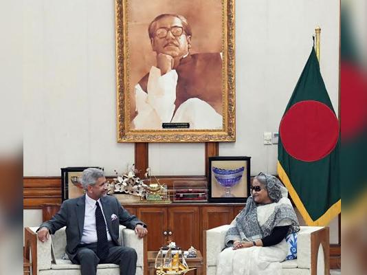 Modi invites Sheikh Hasina to visit India
