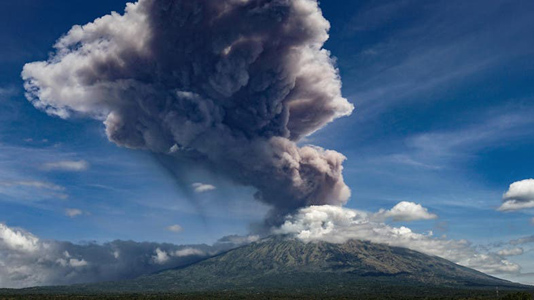 Volcano near Tokyo erupts, prompting warnings