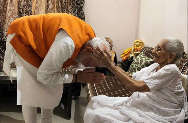 Modi meets mother Heeraben on his 69th birthday