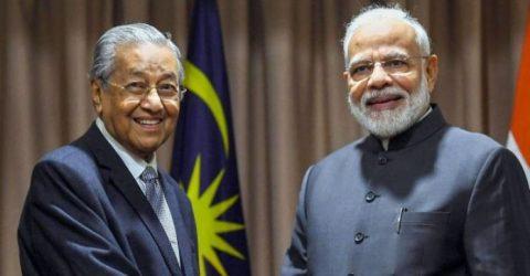 Modi meets Mahathir, discusses Kashmir and Zakir Naik