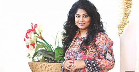 Moushumi to run for president post of Bangladesh Cholochitro Shilpi Samiti