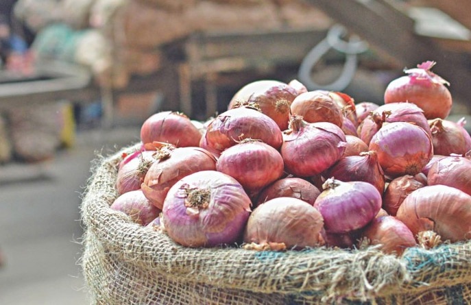 Onion price will come down soon: commerce secy