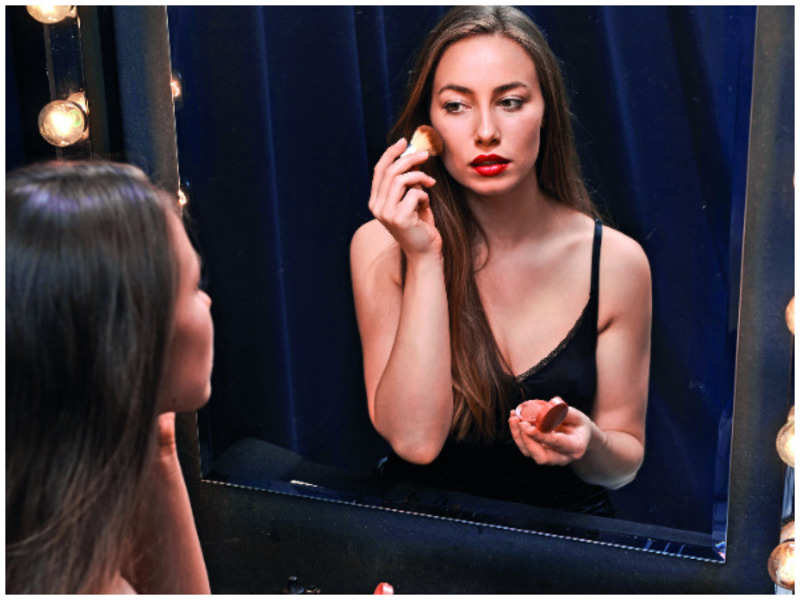 9 make-up mistakes most women make