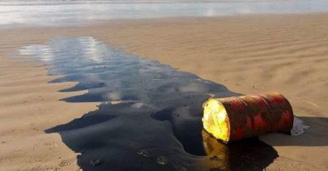 Mystery oil spills blot more than 130 Brazilian beaches