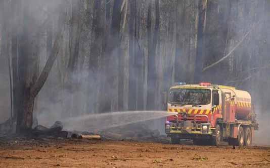 Australian PM denies climate link as smoke chokes Sydney