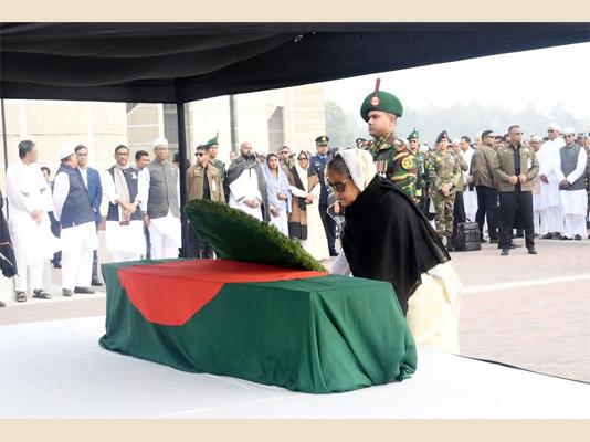 PM pays homage to Abdul Mannan, MP