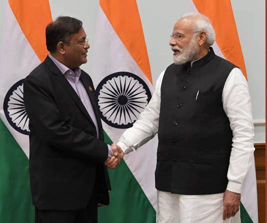 Hasan meets Narendra Modi