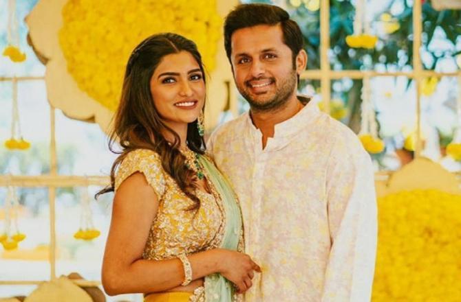 Nithiin gets engaged to  longtime girlfiend Shalini