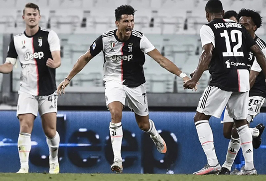 Ronaldo powers Juve to ninth straight Serie A title
