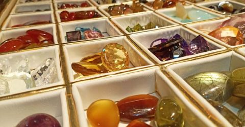 15% discount on gemstones on Eid