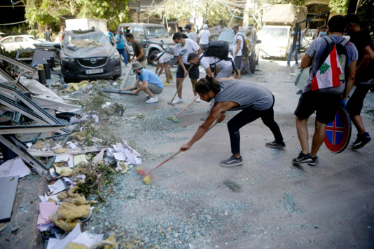 'State, what state?' Lebanese together in solidarity and rage