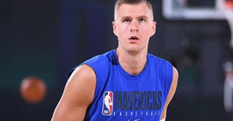Mavs' Porzingis out for rest of 1st rd with knee injury
